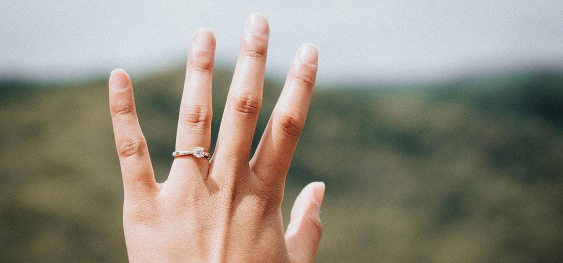 コラム指が美しく見える画像1.jpg