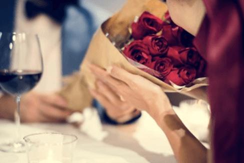花束、指輪を預かってもらう